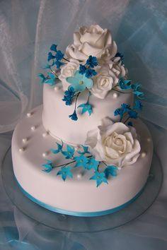 Hochzeitstorte in Blau Weiss