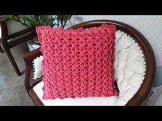 Crochet Cushions, Crochet Mandala, Loom Knitting, Merino Wool Blanket, Rapunzel, Crochet Stitches, Pillow Cases, Diy And Crafts, Throw Pillows