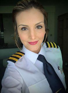 Women Pilot Dressed In Work Uniform Hot Flight Attendant Source by Work Uniforms, Girls Uniforms, Pilot Uniform, School Uniform, Female Pilot, Aviators Women, Women Ties, Good Looking Women, Cabin Crew