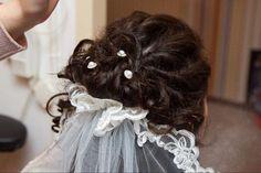 Bruidskapsel met sluier: www.zennabruidsstyling.nl