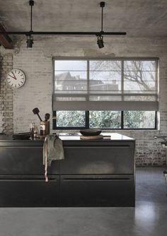 Roman blind in transparent version light gray # roman blinds Industrial Interior Design, Industrial House, Industrial Interiors, Kitchen Interior, Kitchen Decor, Loft House, Roman Blinds, Cuisines Design, Modern Kitchen Design