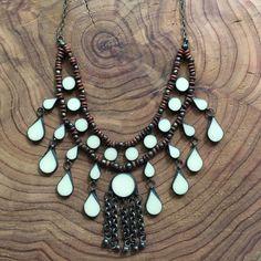 Collar Collar Tribal vintage de nativerainbow en Etsy https://www.etsy.com/es/listing/473360387/collar-collar-tribal-vintage