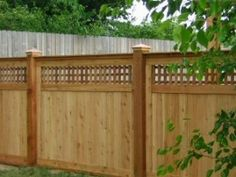 A Version Of Craftsman Style Privacy Fence Using Architectural Lattice  Which Is Very Nice. I Love This Fence ~~~~