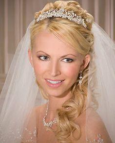 Wedding Hairstyles With Veil: wedding tiaras and veils