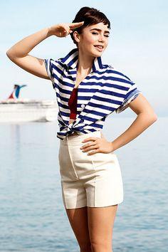 Lily Collins -- Audrey Hepburn lookalike : )
