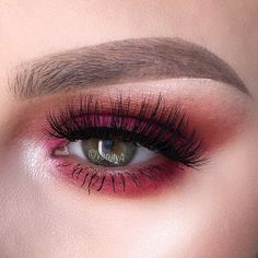 """""""@royaleyecandy Lashes in the style Anastasia - CODE: VanityA - 10% OFF❤️ @shopvioletvoss Holy Grail Palette  @anastasiabeverlyhills Dip Brow in Taupe and…"""""""
