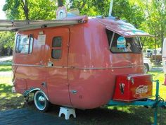 If you're purchasing a caravan then have a look at caravans from the exact same era that were restored by our readers. Every time the caravan was serviced by a mechanic it will be said … Vintage Campers Trailers, Retro Campers, Vintage Caravans, Camper Trailers, Travel Trailers, Pink Trailer, Scamp Trailer, Vintage Camper Interior, Diy Interior