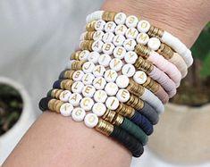 Pulseras Kandi, Bracelets For Men, Beaded Bracelets, Brie Bites, Jewelry Making, Beads, Handmade, Crafts, Instagram
