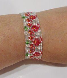 handmade flame flower pattern beaded bracelet #Handmade #Beaded