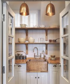 Small Kitchen Ideas - A small-space Artisan kitchen that incorporates lots of storage, a dishwasher, oven, coffee machine and hand-beaten copper sink. Kitchen Interior, New Kitchen, Kitchen Dining, Kitchen Decor, Kitchen Cabinets, Kitchen Ideas, Country Kitchen, White Cabinets, Kitchen Pantry
