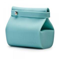 Foodbag blu - troppo bella... non potevo perderla! La trovate su shoppable.com oppure leggete il logo della busta e cercatela online.