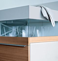 Handles have an obvious practical function, but their aesthetic effect should not be underestimated. Handles can accentuate the appearance as well as transmit a very particular and unique visual signal.   #poggenpohl #kitchenhandles #design #visualsignal #decor