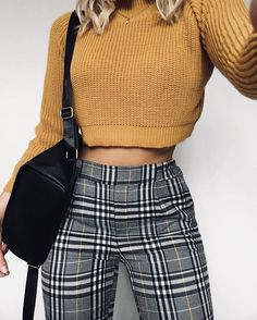 Outfits and flat lays we fell in love with. See more ideas about Casual outfits, Cute outfits and Fashion outfits. Fashion Trends, Latest Fashion Ideas and Style Tips. Look Fashion, 90s Fashion, Winter Fashion, Womens Fashion, Fashion Trends, Fashion Pants, Fashion Ideas, Fashion Black, Feminine Fashion
