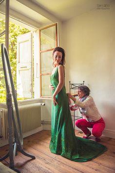 Quand maman s'applique  Coiffure et maquillage : Gwendoline Becquet https://www.facebook.com/gwendoline.becquet.9 Robe : Emmanuelle Gervy https://www.emmanuellegervy.fr Photographe : Tom Larédo Photography - www.tomlaredophotography.fr