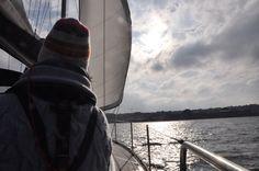 Spaß beim Sportküstenschifferschein: Segel-Reportage von der Ostsee auf https://www.coastwriter.de