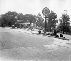 'That Good Gulf Gasoline. :: The Thompson Photograph Collection