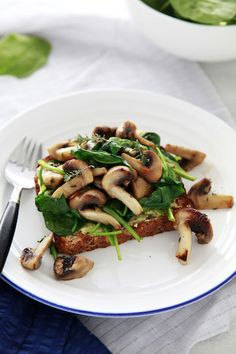 Herbed mushroom and spinach on toast Asparagus, Spinach, Stuffed Mushrooms, Toast, Weight Loss, Vegetables, Amp, Recipes, Food