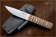 Made on order.  ©SERE Knives Photography Knife Photography, Handmade Knives, Knives And Tools, Fixed Blade Knife, Messer, Knife Making, Swords, Weapons, Battle