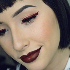 Adoro ese eyeliner ♥