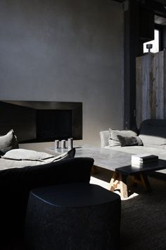 ♂ Masculine & contemporary interior design dark grey La Muna / Oppenheim Architecture + Design