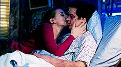 Riverdale Netflix, Riverdale Archie, Bughead Riverdale, Riverdale Funny, Konoha High School, Romantic Kiss Gif, Riverdale Betty And Jughead, Lili Reinhart And Cole Sprouse, Button Up Maxi Dress