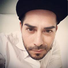Trabajando... #single #tattooed #handsome #cuteboy #gayguy