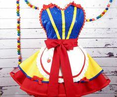 OMG it's snow white's apron!!!