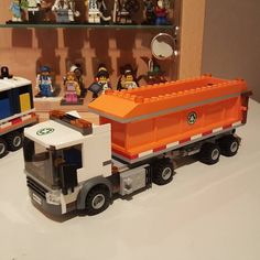 And this is my Lego 60118 garbage truck moc number 5 ------------------------------------- #Lego #Legocity #Legomoc #Legocreator #Legogarbagetruck #Lego60118 #Legotruck #Legoafol #Afol #Legobuiler #Bricknetwork #Brickcentral #Brickmania #Legogram #Legostagram #Instalego #Legos #Legofan #Legobricks #Bricks #Legoland #Toyslagram #Toyslagram_lego #Moc #Legopic #Legopicture #Legophotograpy by arjan_legocitymoc
