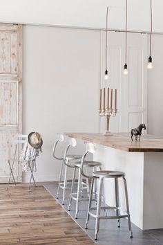 Stoere bartafel / keukeneiland / werkeiland. Door mouse