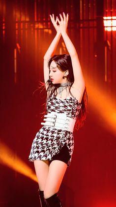 Kpop Girl Groups, Korean Girl Groups, Kpop Girls, Stage Outfits, Kpop Outfits, Fashion Outfits, Sana Momo, Nayeon Twice, Dahyun