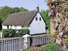A quaint thatched holiday cottage for 4 in Hale with a wonderful history behind it. Mon/Fri arrival for 3 night minimum stay. 2 dogs welcome. Cottages England, Liverpool, Holidays In England, Next Holiday, Holiday Ideas, Holiday Accommodation, Next Door, Staycation, Lodges