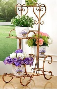 50 Beautiful Plant Stand Design for Indoor Ideas Metal Patio Furniture, Iron Furniture, House Plants Decor, Plant Decor, Sacred Garden, Metal Plant Stand, Plant Stands, Wrought Iron Decor, Iron Plant