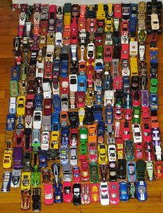 Hot Wheels Lot of 325 Diecast Cars Trucks ~ 26 pounds of vehicles! by VtgTreasureTroves on Etsy