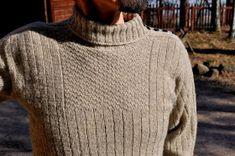 Nitkutettua: Tikkuröijy Men Sweater, Turtle Neck, Finland, Sweaters, Fashion, Moda, Fashion Styles, Men's Knits, Sweater