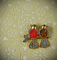 two birdies on a branch brooch.  jetsetvintage  $14