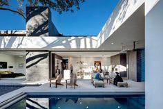 Main Stay House by Matt Fajkus Architecture - Design Milk Houses In Austin, Austin Homes, Austin Texas, Texas Usa, Dezeen Architecture, Architecture Photo, Residential Architecture, Japanese Architecture, Amazing Architecture