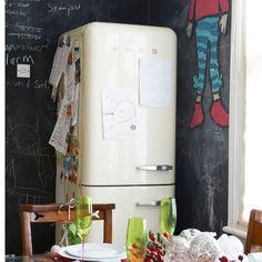 Küchen Küchenideen Küchengeräte Wohnideen Möbel Dekoration Decoration Living Idea Interiors home kitchen - Familienwohnküche mit Smeg Kühlschrank