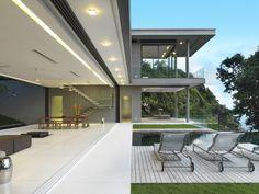 Interview: Adrian McCarroll on Building Villa Amanzi in an Ope...