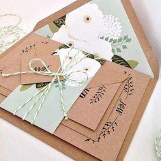 50 x Gardenia Kraft mariage Invitation Suites -E H E L L O & W E L C O M- Si vous lisez ce que vous avez probablement récemment fiancé - félicitations ! J'espère que vous apprécierez votre visite dans ma boutique, s'il vous plaît n'hésitez pas à entrer en contact si vous avez des