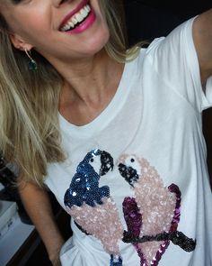 Look do Dia: T-shirt periquitos em paetês rosa quarzto e azul serenity | Blog da Ana