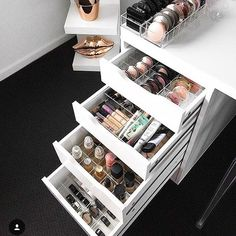 Enjoying a moment to look through all the gorgeous images which we've been tagged in by our amazing customers . I can't tell you how much I love seeing your beauty space images and your storage in action. Every tag, email, comment and DM just makes my day. THANKYOU ALL . This flawless pic by @acfg__ using her LARGE VC Dividers in her IKEA Alex 5 Drawer unit. Top draw - SET 3 Bottom draw - SET 1 Second bottom draw - SET 4. . . . #beauty #beautyroom #beautystore #beautytable #beauty...