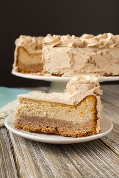 Why choose between a cinnamon bun or slice of cheesecake when you can have both in one dessert! Introducing the Cinnamon Bun Cheesecake.the cheesecake my boyfriend has had four slices of today. Cinnamon Cheesecake, Cheesecake Recipes, Dessert Recipes, Cinnamon Bun Cake, Light Cheesecake, Lemon Meringue Cheesecake, Icing Recipes, No Bake Cheesecake, Yummy Recipes