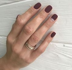 55 Best Simple Matte Nail Polish Designs to Copy ASAP matte polishes turn any basic manicure into a legit beauty lewk, soft, hazy, and definitively understated Minimalist Nails, Minimalist Chic, Nail Manicure, Manicures, Nail Polish, Manicure Ideas, Dark Nail Designs, Burgundy Nails, Burgundy Colour
