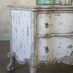 Chalk Paint - antique chippy white. create with annie sloan chalk paint Pure White and Paris Gray #whitedecor by jenifer