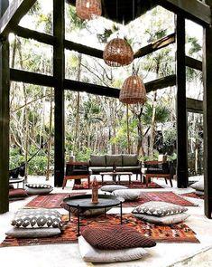 Located on an acre of land with a private beach, the Habitas Tulum hotel has a steel and glass structure in the jungle that forms the centrepiece of this nature retreat in Tulum, contrasting the thatched accommodation that faces the Caribbean sea. Design Hotel, Restaurant Design, Restaurant En Plein Air, Outdoor Restaurant, Tulum Hotels, Resorts, Cafe Design, House Design, Design Moderne