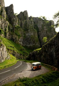 Cheddar Gorge, Somerset, England - what an awesome road trip photo (and that van! Oh The Places You'll Go, Places To Visit, Beautiful World, Beautiful Places, Amazing Places, Beautiful Scenery, Photos Voyages, Adventure Is Out There, Belle Photo