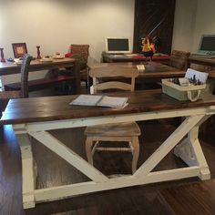 Rustic Design, Entryway Tables, American, Furniture, Home Decor, Decoration Home, Room Decor, Home Furnishings, Arredamento