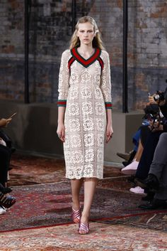 Gucci Resort 2016 - Collection - Gallery - Retro Dress.