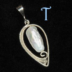 Lotus Pendant | JewelryLessons.com