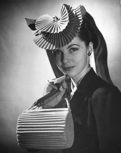 Photograph by Nina Leen, 1944.